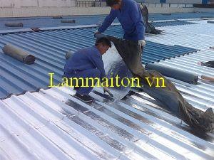 Lắp đặt các tấm lợp là bước 2 của hướng dẫn thi công lợp mái tôn